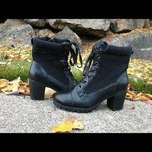 New XOXO black boots